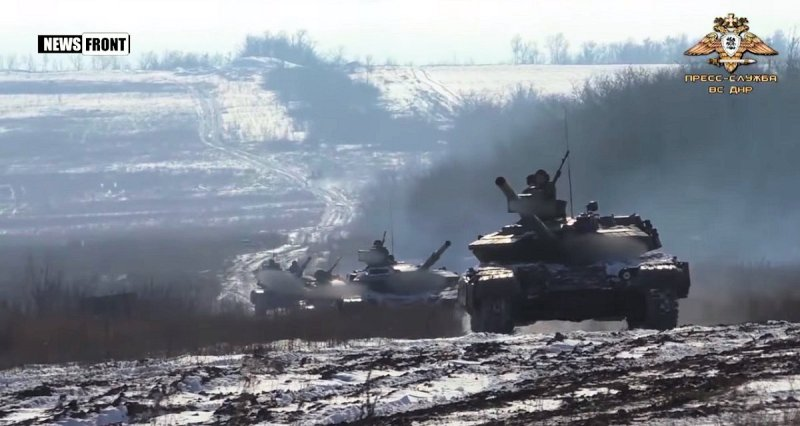 Russian Tanks blurred